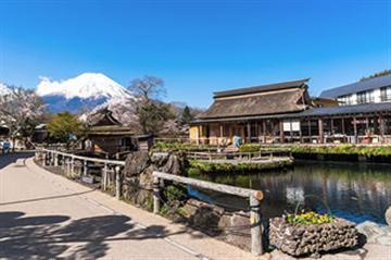 富士山五合目と山麓周遊ツアー【通常座席プラン】【四季の旅】