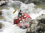 群馬県水上でラフティングを体験!