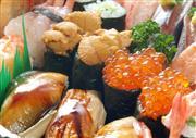 ★うに、いくら、マグロを含む10種類のお寿司を食べ放題!!