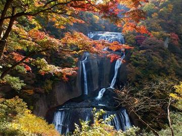 【多摩・武蔵野発着】秘境の絶景 袋田の滝紅葉と石切山脈<添乗員同行>