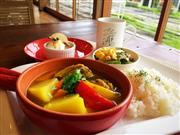 ★おしゃれなオリジナルスープカレーの昼食