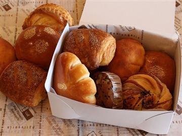 ★パン工房『鳥居平 TRIIVILLA』《パンの詰め放題》