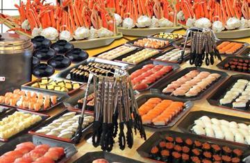 ズワイガニ&ウニ・イクラなどを含む寿司10種<50分食べ放題!!>あったかあおさ汁の試飲&厳選蜂蜜の試食も体験。東京ドイツ村で300万球のイルミネーションも鑑賞