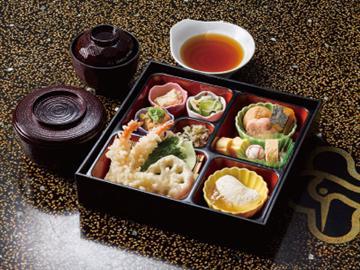 【戸田・名古屋発】京都迎賓館見学ツアー 一般公開優先入館を予約しました!