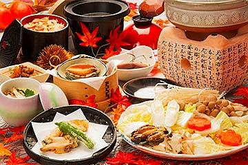 【立川発】秋味果実狩り&あわび2個以上使用「まるごとあわびづくし会席」を含む3食付!紅葉の富士山と秋の果実甲州ぶどう&りんごW狩り旅フルコース