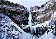 冬の華厳の滝(イメージ)