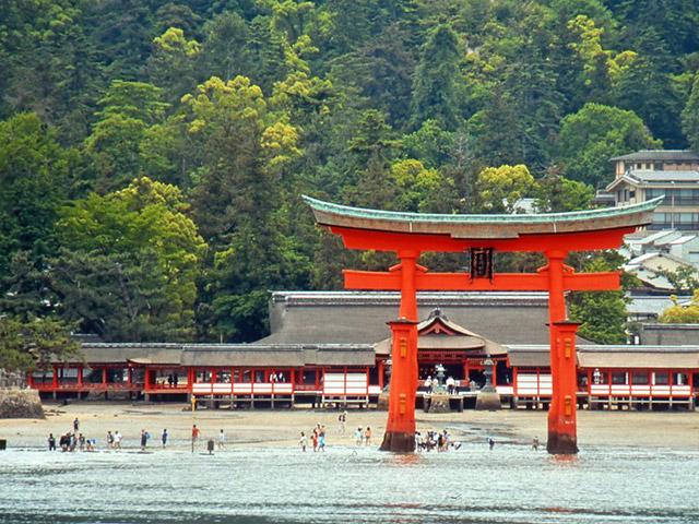 厳島神社(イメージ)